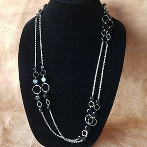 Continuous strand chain beaded necklace
